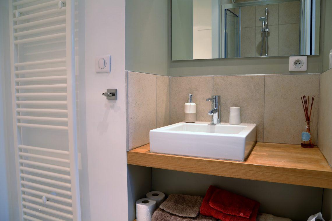 Salle de bain chambre d'hôtes Pin du Pavillont de Beaumont